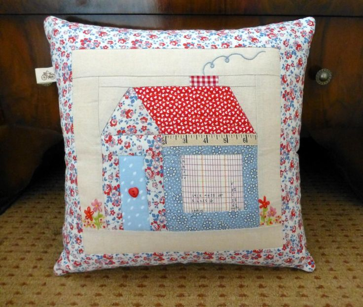Foundation Pieced Schoolhouse Pillow | Craftsy