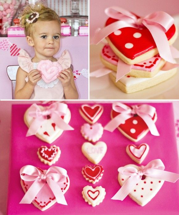 decorated cookies: Sugar Cookies, Valentines Cookies, Cookies Decor, Heart Cookies, Decor Cookies, Valentines Day, Decorated Cookies, Heart Valentines, Parties Ideas
