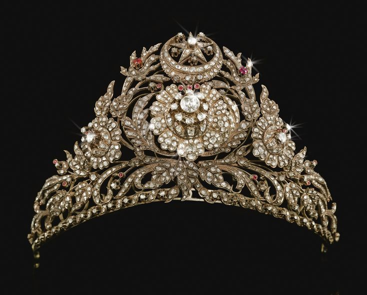 Ottoman Tiara 1800 Christie's, thank goodness someone found my tiara, I have been looking for it for a long time.