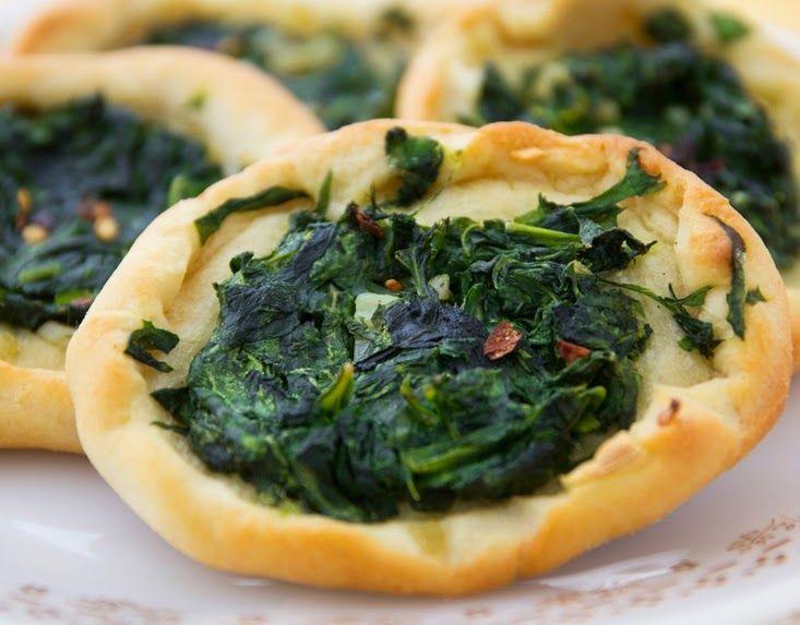 Cantinho Vegetariano: Esfiha de Espinafre (vegana)