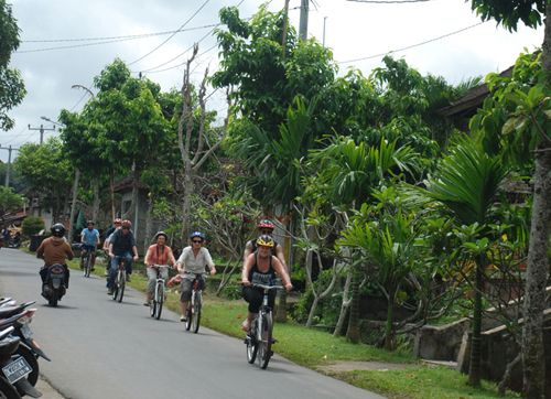Cycling tour as alternative attraction for rural tourismuffoon presents everyday  http://www.bali-travelnews.com/Newsflash/cycling-tour-as-alternative-attraction-for-rural-tourismuffoon-presents-everyday.html