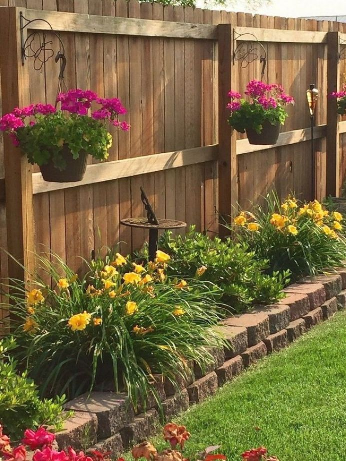 40 astonishing garden fence decorating ideas to follow on backyard fence landscaping id=59484