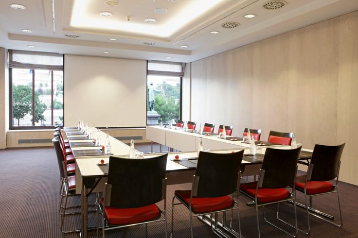 Bellevue room for a small meeting is cozy and elegant at Sofitel Budapest Chain Bridge.