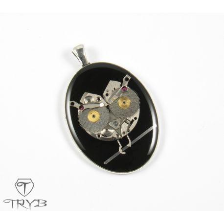 The Owl - #handmade #clockwork #steampunk inspired #medallion