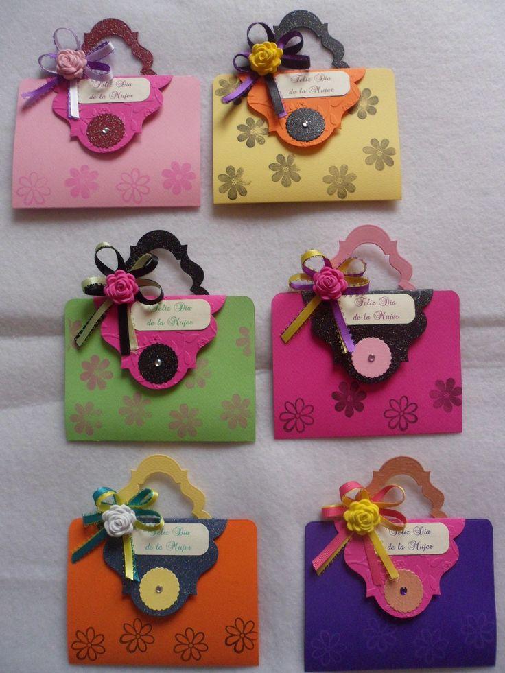 Tarjetas del día de la Mujer, en forma de cartera.