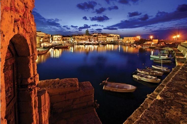 #Rethimno: A cozy and stylish wedding #destination! #BlueSeaWeddings can stage your #wedding in this magical location of #Crete! Contact us: info@blueseaweddings.com