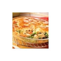 Campbell's Kitchen Easy Chicken Pot Pie Recipe - quick, easy, and delicious! Added shredded cheddar to my crust, and it turned out lovely