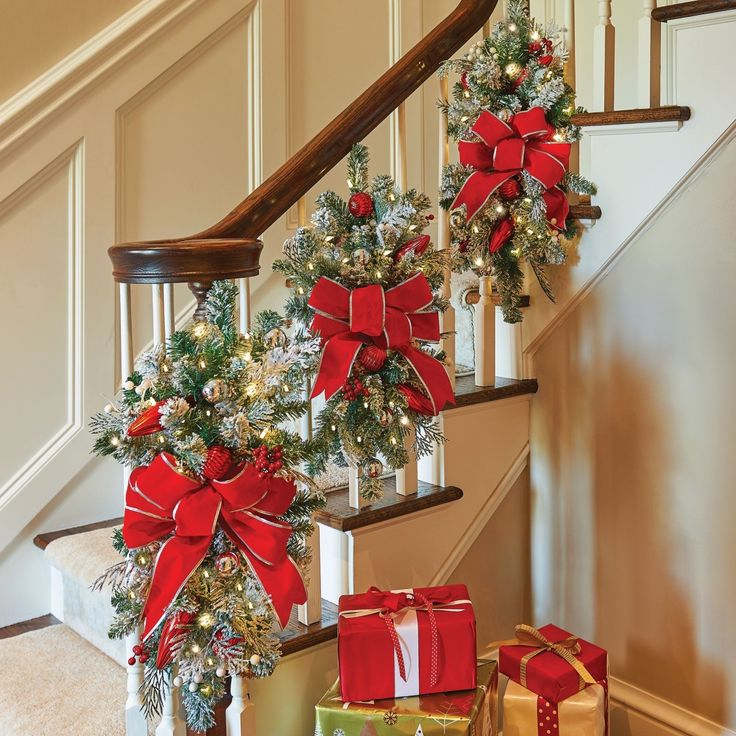 Decorate The Stairs For Christmas: 188 Best Christmas Decorating Ideas Images On Pinterest