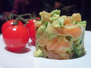 Proeven op zondag: Rauwe zalm met avocado, voedselzandloperlunch?