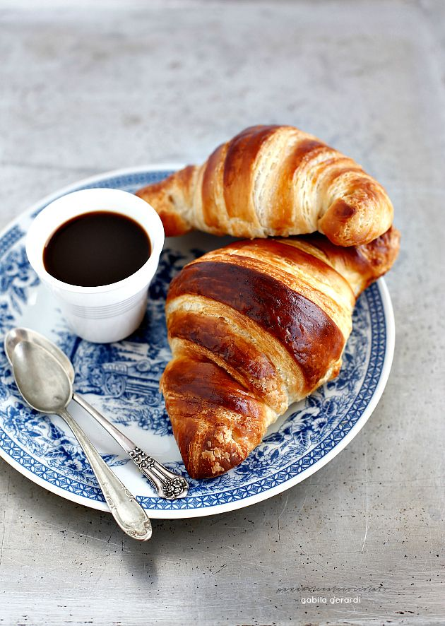 Croissant sfogliati francesi - ricetta di Iginio Massari   PANEDOLCEALCIOCCOLATO