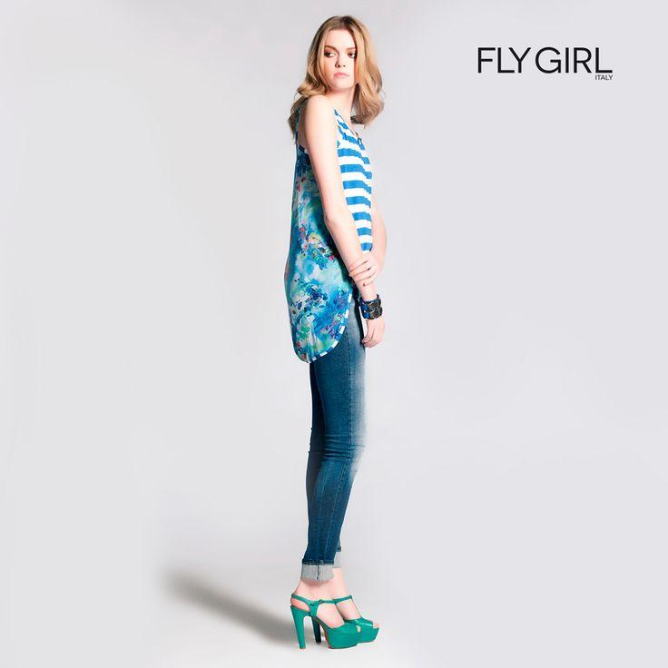 Uno dei colori più trendy per questa estate è lo Scuba Blue: questa nuance trasmette un senso di spensieratezza e la voglia di fare un viaggio esotico. Un turchese intenso ideale per outfit dedicati al tempo libero. #flygirl #ss2015 #summer #scubablue #pantone #nuance #outfit #sea #moda #woman #madeinitaly