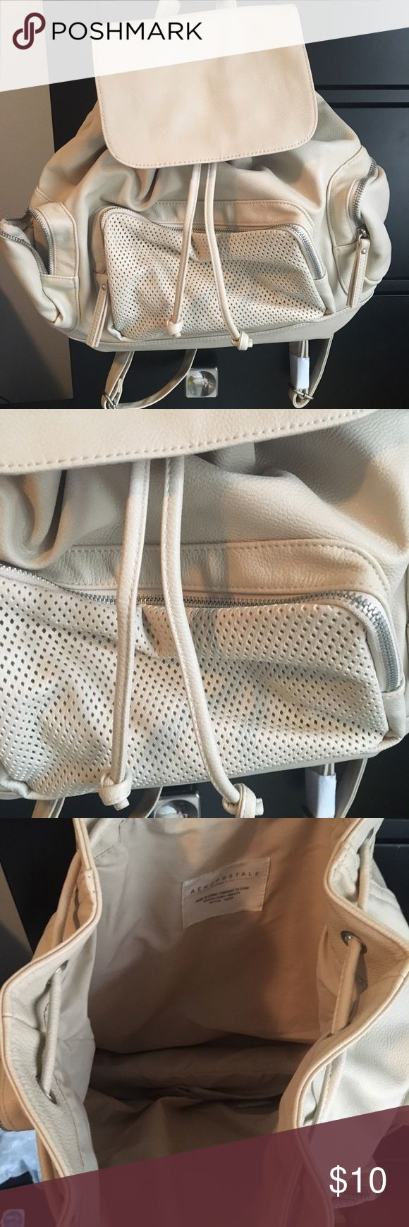 NWT beige backpack NWT Aeropostale beige backpack! Tons of space and pockets. Magnetic top and drawstring Aeropostale Bags Backpacks