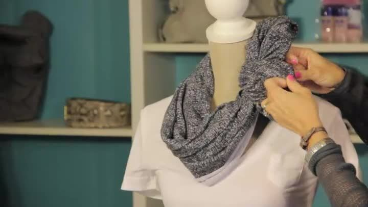 Tying An Infinity Scarf Video How To Tie An Infinity