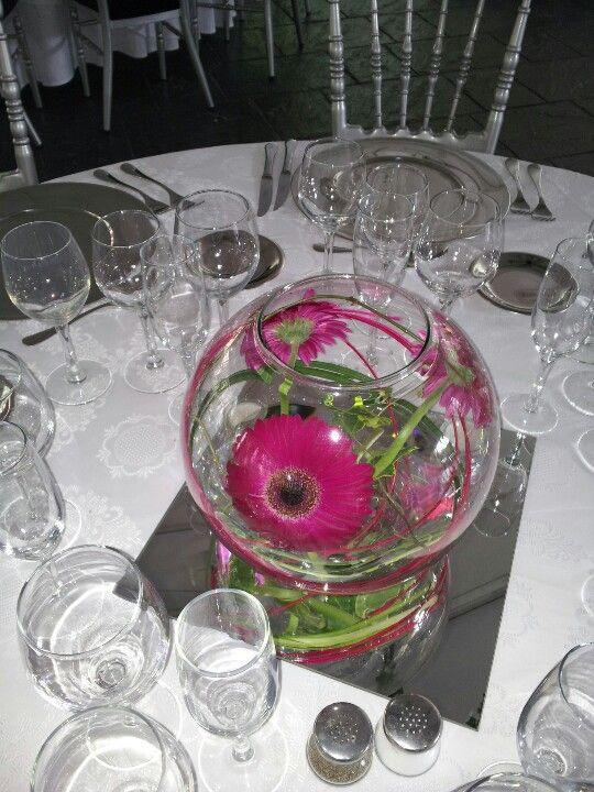 Pecera con gerberas bautizo pinterest gerbera - Centros de mesa con peceras ...