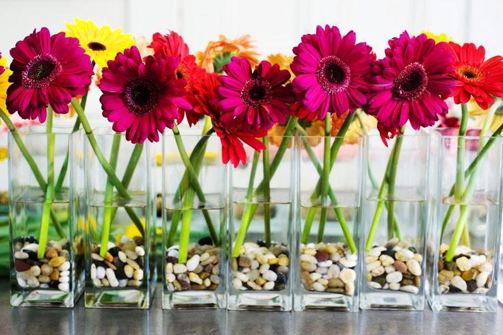 very cute daisy centerpieces