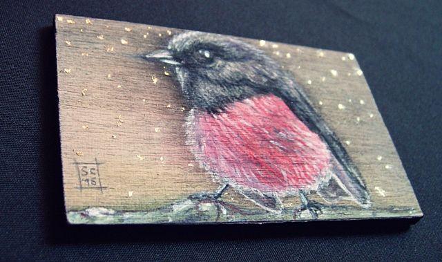 ◀ Pettirosso ▶ Acquerello, acrilico, biro, foglia oro su compensato 8,5 x 5 cm. SC/16