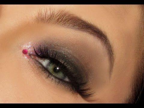 Smoky eyes med rosa lepper