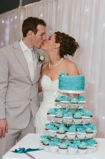 Jessica and Terrance, photo by Artography , cupcake tower, Sunny Girl Cakes