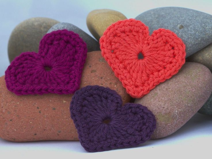 The Modern Crochet Heart is one of my most popular patterns. Since it's about two years old, it was time for a little redo. Now I usually offer both a German and an English instruction, but I…