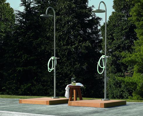 Colonna doccia Collezione Outdoor - Zucchetti.Kos,Piscine e docce da esterno. Living Corriere