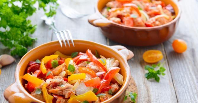Recette de Dinde vapeur épicée et ses légumes. Facile et rapide à réaliser, goûteuse et diététique. Ingrédients, préparation et recettes associées.