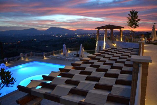 Per le Vacanze al Mare in #Abruzzo tra Borghi, Parchi #Incantea Family Resort con Piscina, Spiaggia, .....  .@incantea