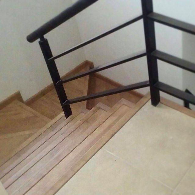 Buen jueves! Les compartimos esta foto de uno de nuestros últimos trabajos con piso laminado de @plovalco e instalación también a nuestro cargo   Muchas gracias por tu confianza!  __________ #trabajoenproceso #pisolaminado #instalacion #garantíadecalidad #decoración #escaleras #hermosillo #hermosillosonora - http://ift.tt/1QIZuz0