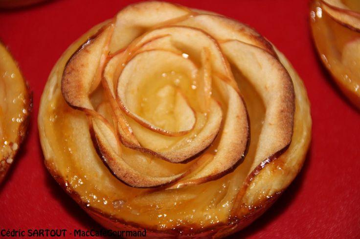 Je me suis laissé tenté par la recette du moment présente sur tous les réseaux, une tartelette aux pommes en forme de rose. Recette extrêmement simple surtout si vous prenez une pâte feuilletée tou…