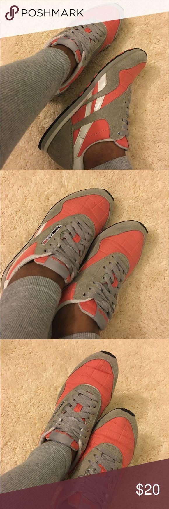 Reebok Skechers classic Good condition 😊 Reebok Shoes Sneakers