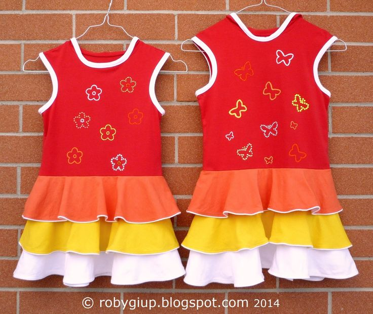 Due abiti per due sorelline - Elder and younger sister dresses - RobyGiup handmade #sewing #girl #clothing