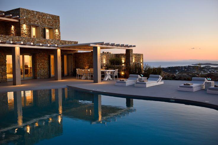 Villa Selena is a pretty Greek villa in Mykonos!