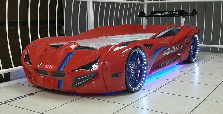 BMW MV1 xtreme red on display..