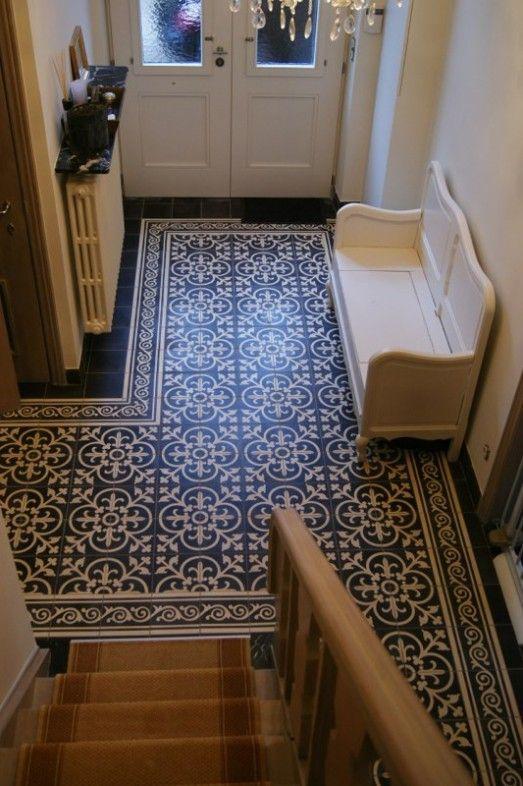 Tegels hal Castelo handgemaakte Portugese cement tegels - uw-vloer.nl #tegelvloer #interieur