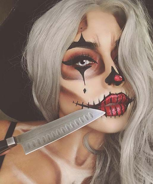 Pretty Clown Halloween Makeup Idea for Women