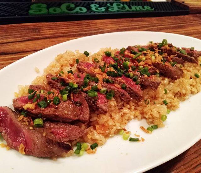 ❤❤❤ ・ 和牛ステーキwith ガーリックライス ・ うんま😍 ・ #レア肉苦手だけどこれは食べられる#おかわりしたい#肉♪肉♪肉♪#doubledoors#明日は大好きなピザを食べに行こう#食べることしか考えていない😁#生きがいw
