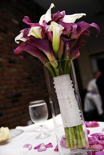 Доставка, свадебный букет из калл на стол молодоженами