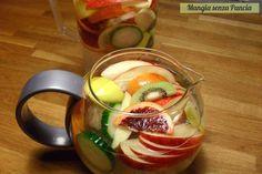Bevanda depurativa alla frutta invernale: un modo alternativo per bere l'acqua grazie al buon sapore di tanta frutta fresca