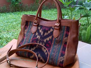 Bag motif Tenun Indonesian Culture Limited Product New Collection   #flower #batik #fashion #culture #indonesia #leather #bag #limited #tenun #brown  Contact : karwoto.hartanto@gmail.com