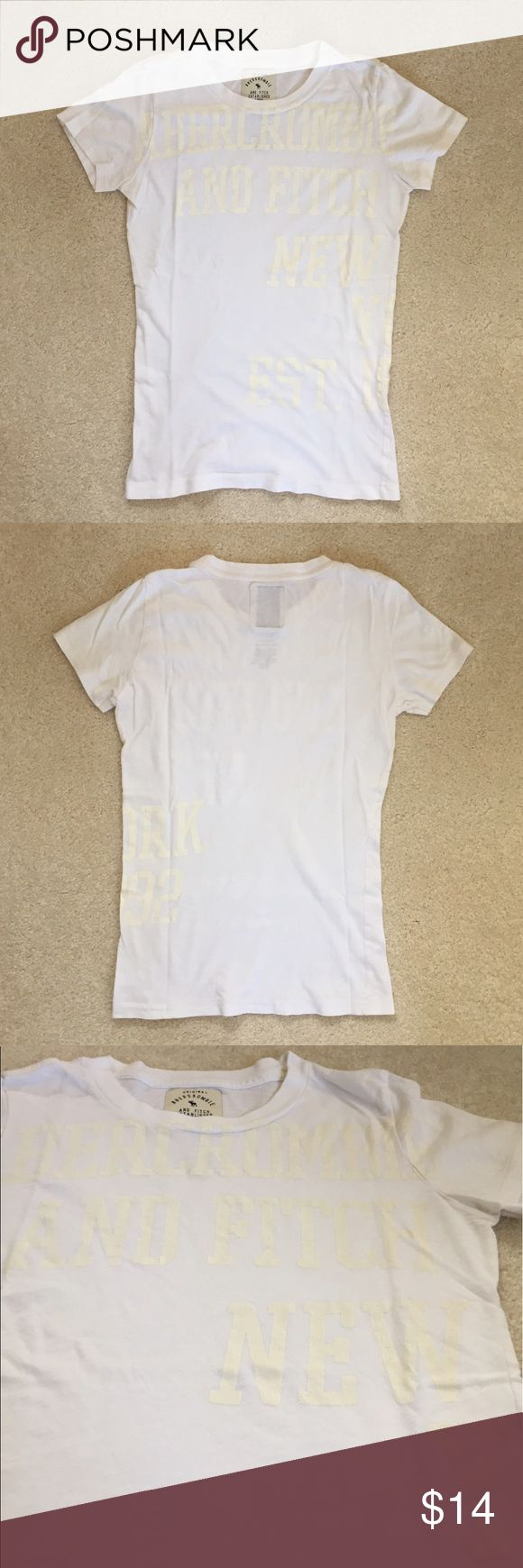 Abercrombie and Fitch white tee White tshirt from Abercrombie and Fitch. Excellent condition Abercrombie & Fitch Tops Tees - Short Sleeve