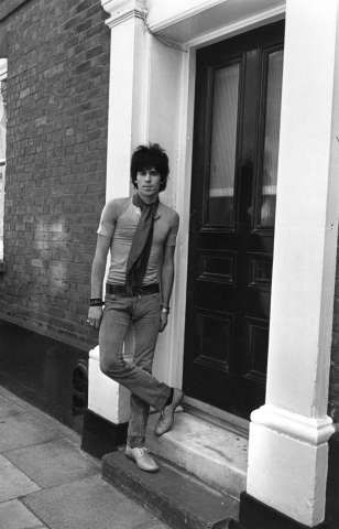 Pop musician Keith Richards, guitarist with British rock group The Rolling Stones. Original Publication: People Disc - HK0178 Photo: Sherman, Getty Images / Hulton Archive