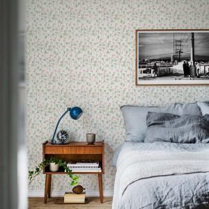 wallpaper Klöveräng light pink, design Lillo Wikstrand