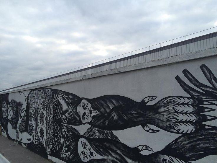 """""""ROSA PARkS FAIT LE MUR"""" EST UNE FRESQUE DE 493 MÉTRES DE LONG AUTOUR DU THÉME DE LA LUTTE CONTRE LES DISCRIMINATIONS ET POUR L'égalité. Admirez la plus grande fresque murale de Paris #Bastardilla#TatyanaFazlizade Kashink# Katjastrophe#Zepha  #streetart #street #streetphotography #sprayart #urban #urbanart #urbanwalls #wall #wallporn #graffitiigers #stencilart #art #graffiti #instagraffiti #instagood #artwork #mural #graffitiporn  #stencil #streetartistry #stickerart #pasteup #instagraff…"""