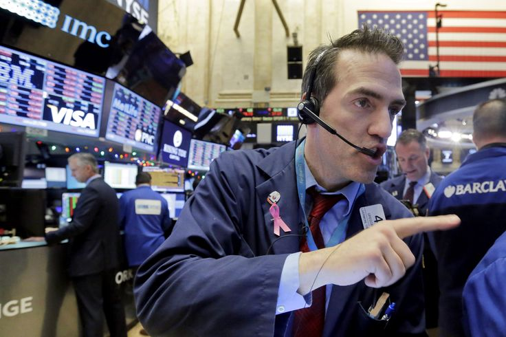 U.S., world stock markets slide as panic in China spreads