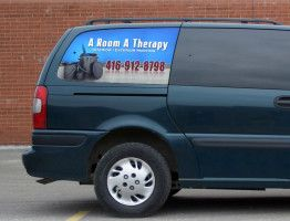 5 Reasons to Choose Window Graphics for Cars