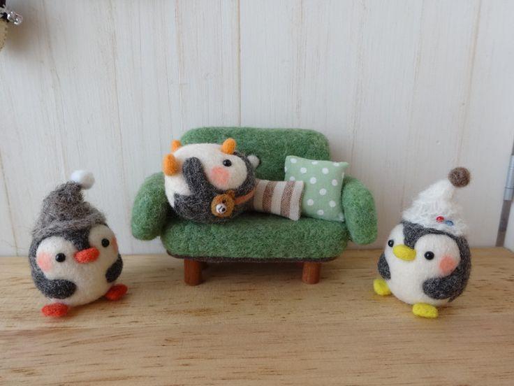 Needle felted penguins !!! Awww