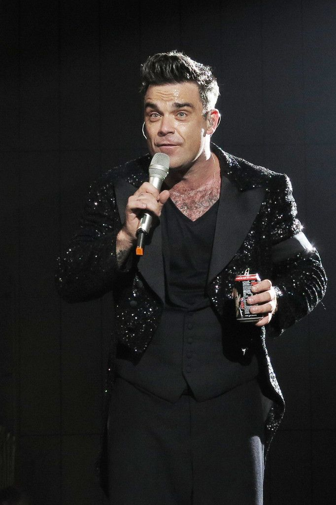 Robbie Williams - Robbie Williams and Olly Murs play Wembley stadium for Williams 'Take the Crown' tour in London