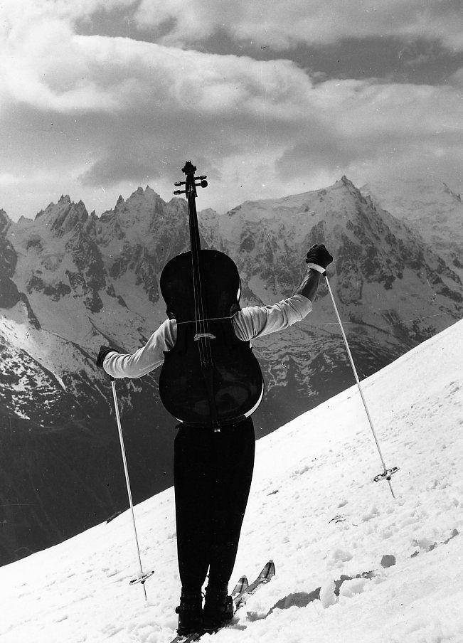 ♪ Robert Doisneau  Musique - Maurice Baquet   Violoncelle prend deux ailes, Chamonix, 1957