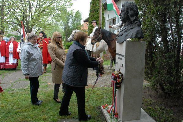 Rákóczi-hét a Rákócziújfalui Herman Ottó Általános Iskolában | Galéria | szoljon.hu SZOLJON