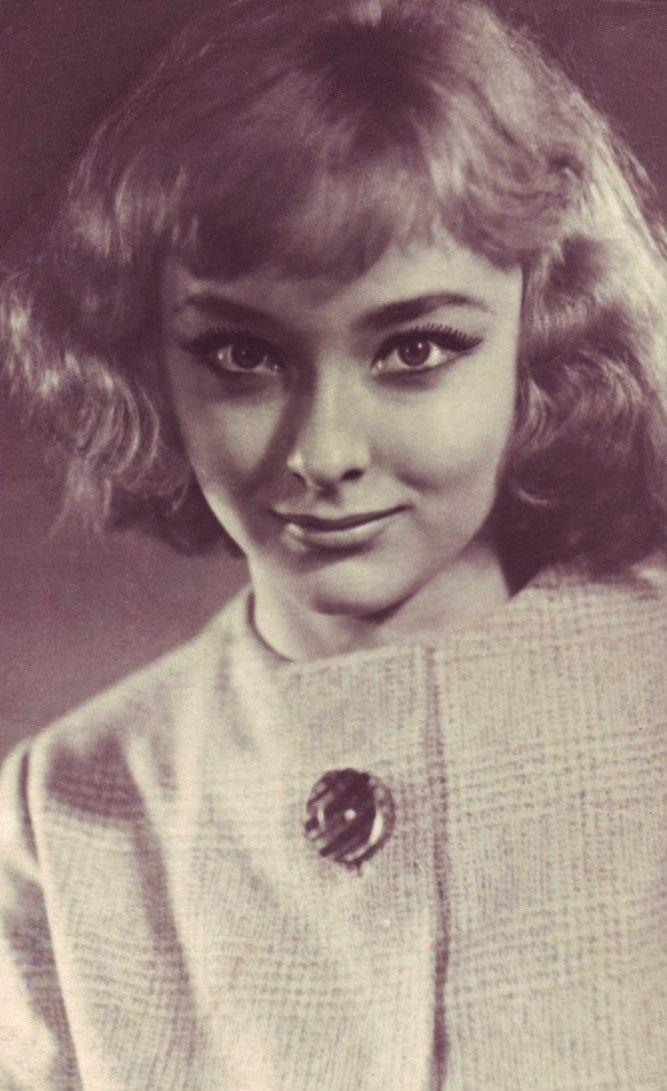 смотреть онлайн молодые советские актрисы казал, бил