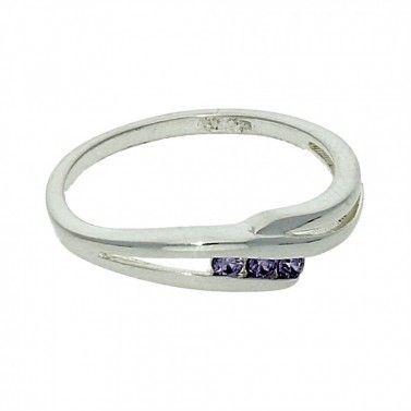 Jemný stříbrný prstýnek fialový zirkon č.1